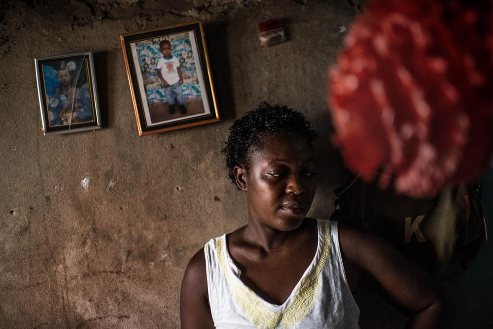 Mange overlevende efter ebola kæmper stadig med fysiske og psykiske problemer.